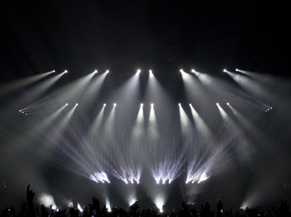 Show Designer - Paul Normandale, Lighting Director - Sam MacLaren, Lightlab Creative Ltd